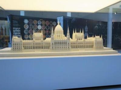 240-parlamento